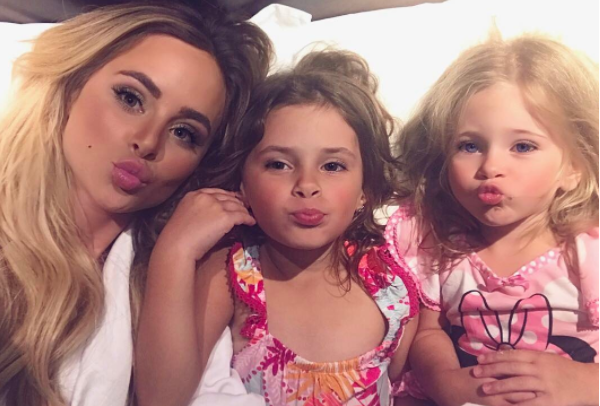 Amanda Stanton Just Took Down All The Mom Shamers With an Open Letter